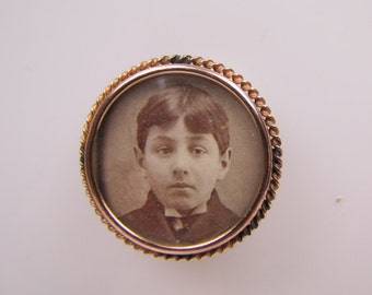 Antique Victorian Photo Portrait Brooch. Young Boy Tintype Photograph Pin. Gold Gilt Rope Frame. Victorian Sentimental Love Token Jewelry.