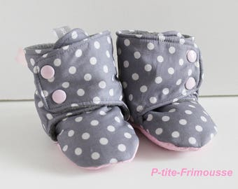 Baby girl, double fleece booties.