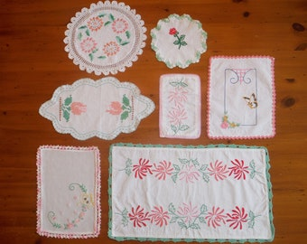 7 Vintage Embroidered Floral Linens - Embroidery Crochet Crocheted Lace Green Pink Flowers Butterfly Table Linens Lot - Bulk Embroidery