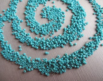 10gm Turquoise Blue Glass Seed Bead Lot With Occasional Silver Lined Seed Beads, Opaque Teal Glass Seed Beads - Recycle - B-07BL-158