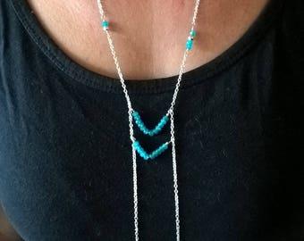 Collier long argent pierre bleu-collier chevron-sautoir argent-cadeau pour elle-idée cadeau Noël femme-collier asymétrique-collier lasso
