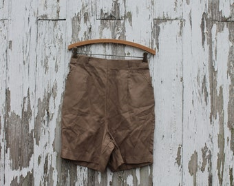 1970s beige high waist shorts, menswear style, vertical ribbed weave, handmade vintage, polyester feel, medium, two front pockets