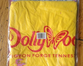 Vintage Dollywood Pigeon Forge Tennessee poncho