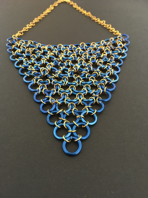 S - 086 Chainmaille bib style necklace