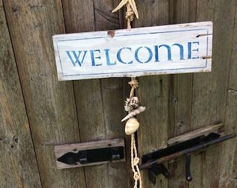 Welcome teaches summer theme