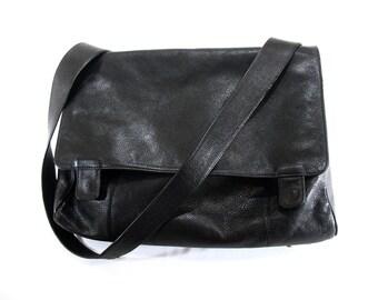 JP OURSE Leather Brriefcase, Messenger Bag, Commuter Bag, Laptop Bag, Large Organizer, Black Pebbled Leather, Shoulder Strap, Excellent