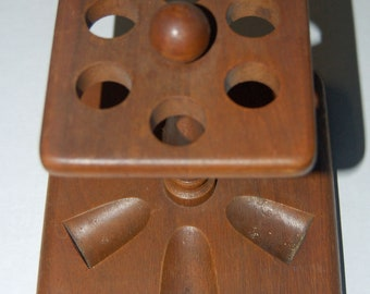 Vintage Duk-It McDonald Pipe Stand