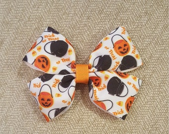 Trick or Treat Halloween Bow