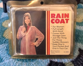 CLEARANCE! Vintage travel rain coat