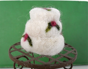 Catnip cat toy cake needle felted