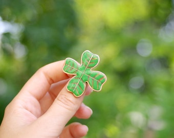 Four leaf clover brooch, clover jewelry, St Patricks day gift, green brooch