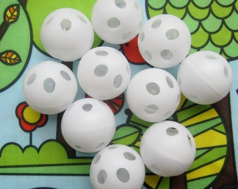 Rattle Inserts. 20 Small Rattle Balls. 2.5cm Diameter. Soft toy making inserts. Noise makers. DIY Craft Supplies.