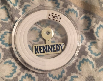 Vintage 1960 Kennedy campaign pin