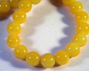 """10 glass 10 mm bright yellow JD151 """"jade"""" beads"""