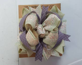 Large stacked boutique bow. Vintage floral ribbon. Classic bow.