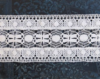 2 yds Vintage Wide Cluny Lace Trim