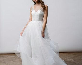 Backless Tulle wedding dress, Hochzeitskleid, Elegant Tulle wedding skirt, Open back Romantic wedding dress Ivory Low back wedding gown Tutu