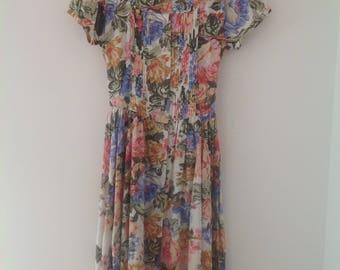 Ladies dress, vintage dress, 80's vintage dress, ditsy floral dress, tea dress, ladies long dress, summer dress, UK 8-10