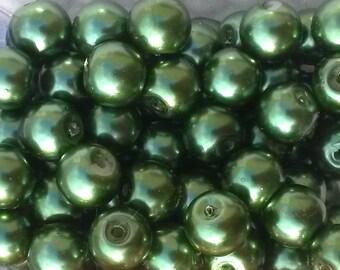 20 round 12mm dark green Pearl glass beads