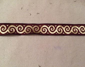 Medieval 17 mm Burgundy and Gold Ribbon
