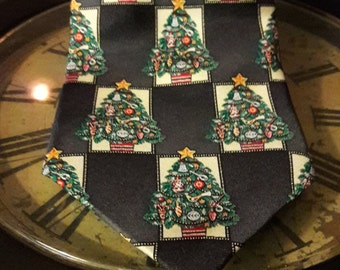Vintage Christmas Tie All Silk/ Christmas Tree Necktie/ Holiday Traditions by MMG / Hallmark Design Collection