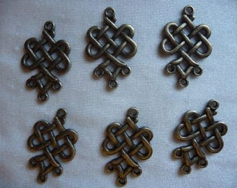 Drop, antique brass-plated pewter (zinc-based alloy), 23x19mm weave, 3 loops. Sold per pack of 10 drops.