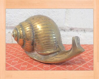 Snail paperweight, Vintage snail,  brass stylized woodland office, vintage snail, woodland office