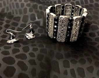 Jewelry Lot: Sitting Pretty