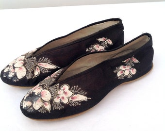 1920s shoes Chinese hand painted floral vintage antique