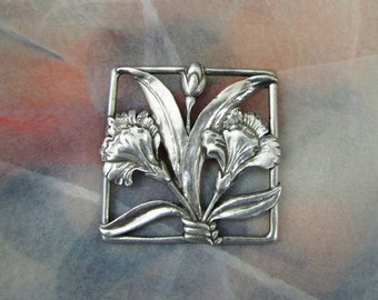 Floral Seagull Pewter Dianthus, Brooch, Pin, Vintage Item,  Silver Tone, Statement Brooch
