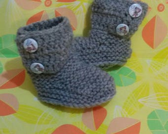Shoes-UGG style ankle boots with grey crochet