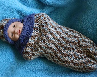 Baby cocoons/hat sets in varied designs for babies up to 3 months