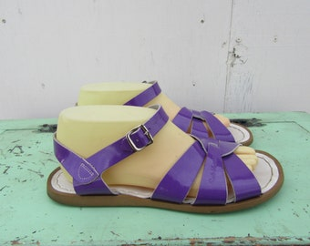 Purple Patent Leather Saltwater Sandals, Flats, Open Toe Sandals, Gladiator Roman Vintage 80s 1980s 90s 1990s Shoes Sandals, Size 9 40 Euro