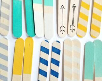 """20 """"Boy Colors"""" Wooden Forks"""