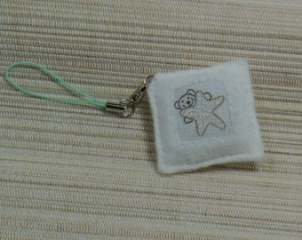 Wearable jewelry white felt square to the bear and Star