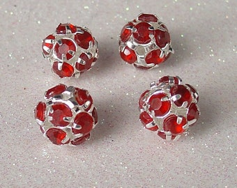SILVER BEADS ROUND 12MM METAL RED RHINESTONE