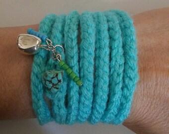 Crocheted turquoise bracelet