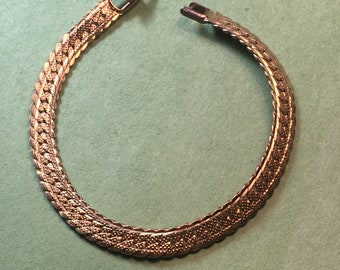 "Mid Century Gold Tone Serpentine Bracelet/7"" long 5mm/Great Design/In Like New Condition<>#BCEB-725"