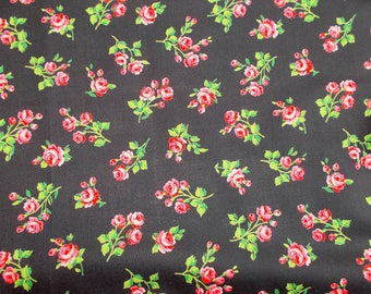 2 x Coupon Tissu 100% coton. Pretty Roses, Printed Cotton. Pink & Matt Black. Unused Remnant