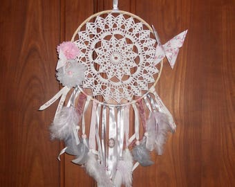 Dream catcher on embroidery hoop