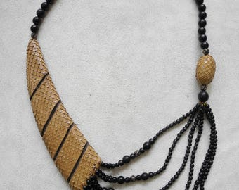 Ethnic/hippie 80's tan snakeskin and layered beaded necklace