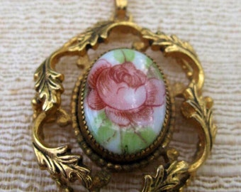 Floral Pendant  / Goldtone Pendant /  Estate Jewelry / Rose Pendant /