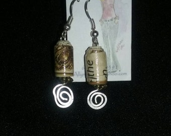 Fun vintage looking paper bead and wire earings.