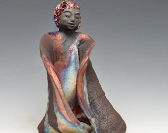 Stehend, Kwan Yin Göttin Kannon Statue in schimmerndem und erdigen Raku-Robe