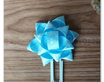 Snowflake ice blue Gift bow Planner clip, bookmark, planner bow clip, Christmas, winter, white blue