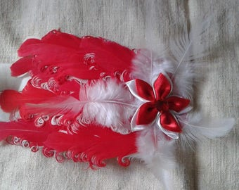 headband red and white feathers and flower