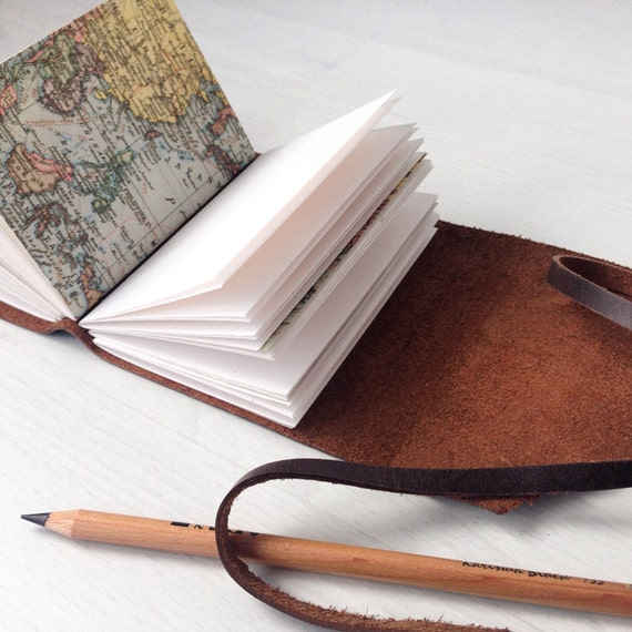 Travelers notebook world map journal personalized travel te gusta este artculo gumiabroncs Images