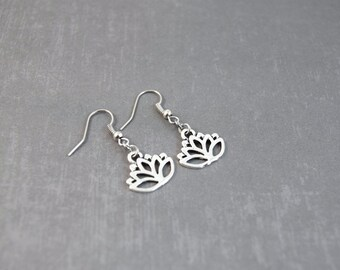 Silver Lotus Earrings, Lotus Jewelry, Yoga Earrings, Nature Earrings, Meditation Jewelry, Dangle Earrings, Charm Earrings, Yoga Jewelry