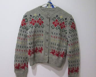 Vintage Fair Isle sweater/ cardigan sweater / hand knit snowflake sweater in gray red and green size small