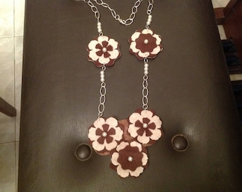 Felt necklace made entirely by hand